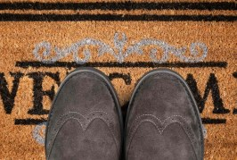 Warning sounded over doorstep lending practices